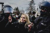 Almanya'da Covid-19 protestolarında arbede