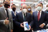 TCL, Tekirdağ'da akıllı telefon üretimine başladı