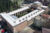 """Osmanlı'nın ilk hastanesi Bursa'daki """"Yıldırım Darüşşifası"""" göz hastalarına şifa dağıtıyor"""