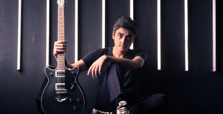 İzmir'li Yalçın Bora Varsay, Amerika'da 2 yeni albümü çıkardı.